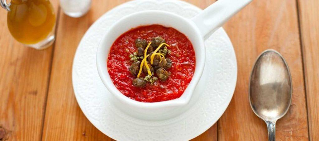 Tomatkrem med sprøstekt kapers