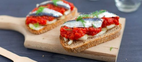 Bruschetta med marinerte sardiner, polpa og fennikel