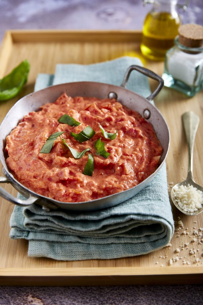 Lettvint tomatsaus