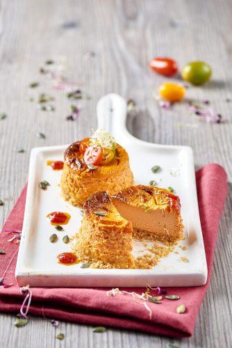 Cheesecake med tomat och krämig färskost (typ Robiola)