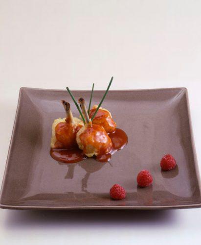Kycklingklubbor med tomat och kantareller
