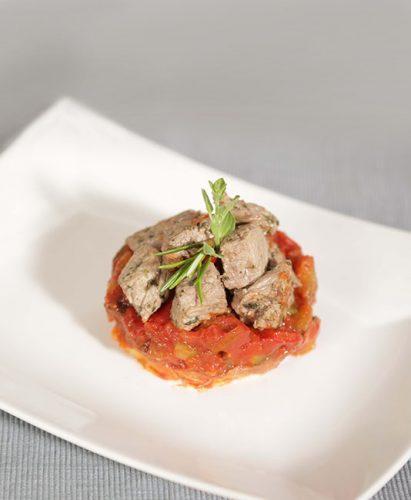 Grönsaks-Ratatouille och marinerat nötkött