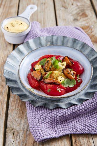 Stekta musslor med tomat, pepparrot och koriander