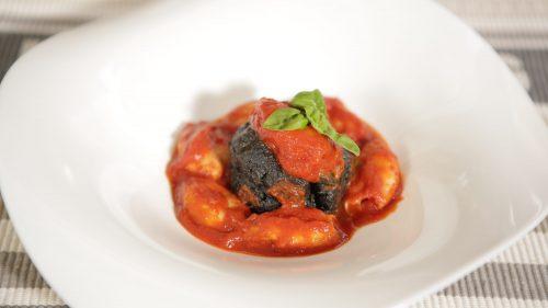 Gegrillter Tintenfisch mit Polenta und Tintenfischtinte