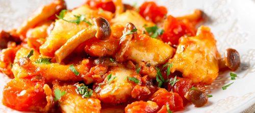 Hühnchentopf mit tomaten und Hallimasche