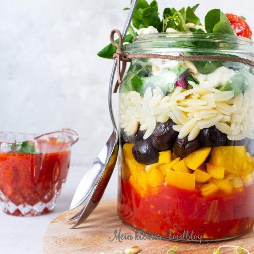 Nudelsalat mit Tomatendressing