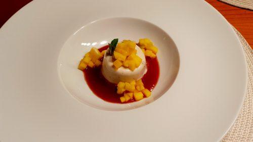 Panna Cotta mit Tomaten-Mango-Kompott
