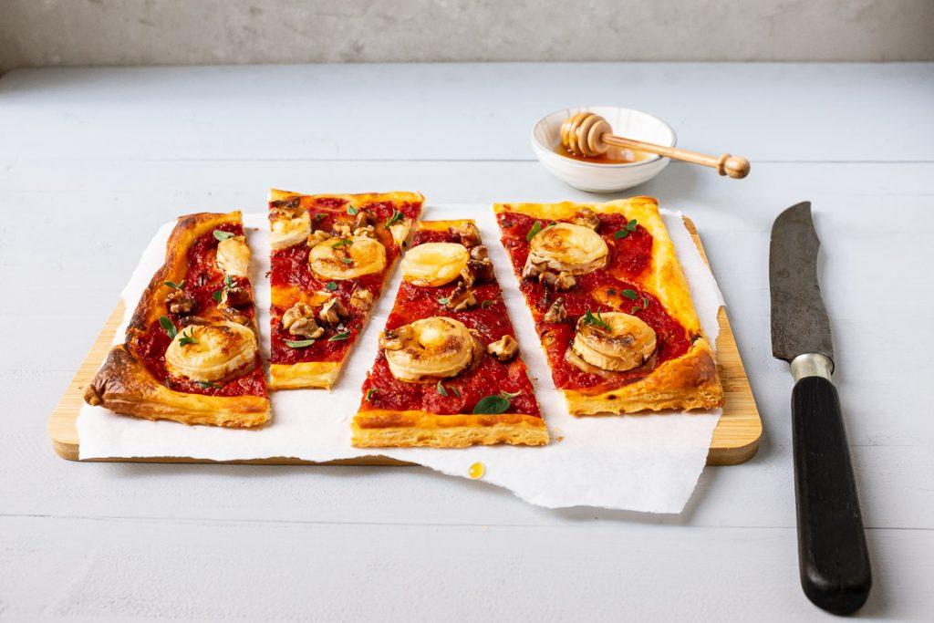 Tomaten-Ziegenkäse-Blätterteigtarte