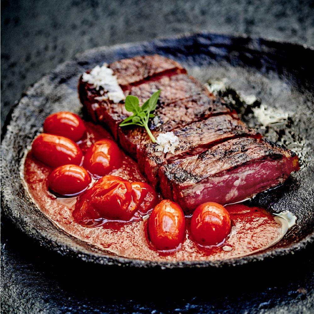 Entrecôte grillée à la tomate