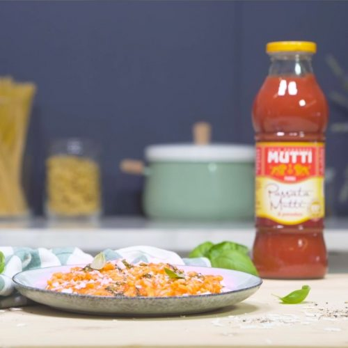 Risotto à la tomate, pesto et ricotta