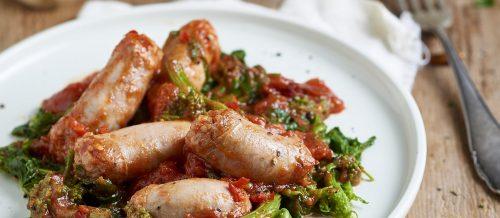 Saucisses aux tomates pelées et aux navets