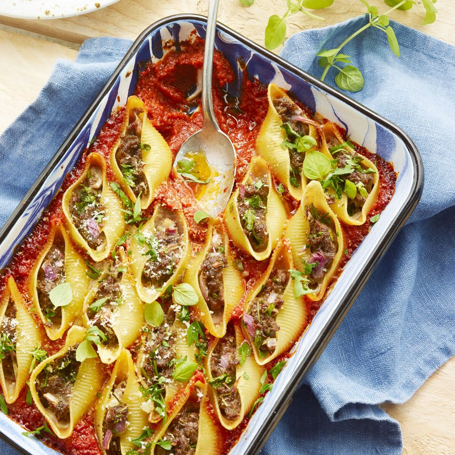 Conchiglionis farcis au bœuf et sauce tomate