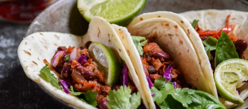 Tacos With Chili Beans