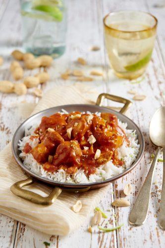 Bocconcini di pollo in salsa rossa al cocco
