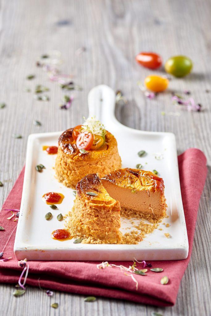 Tomaattinen juustokakku robiola-juustolla