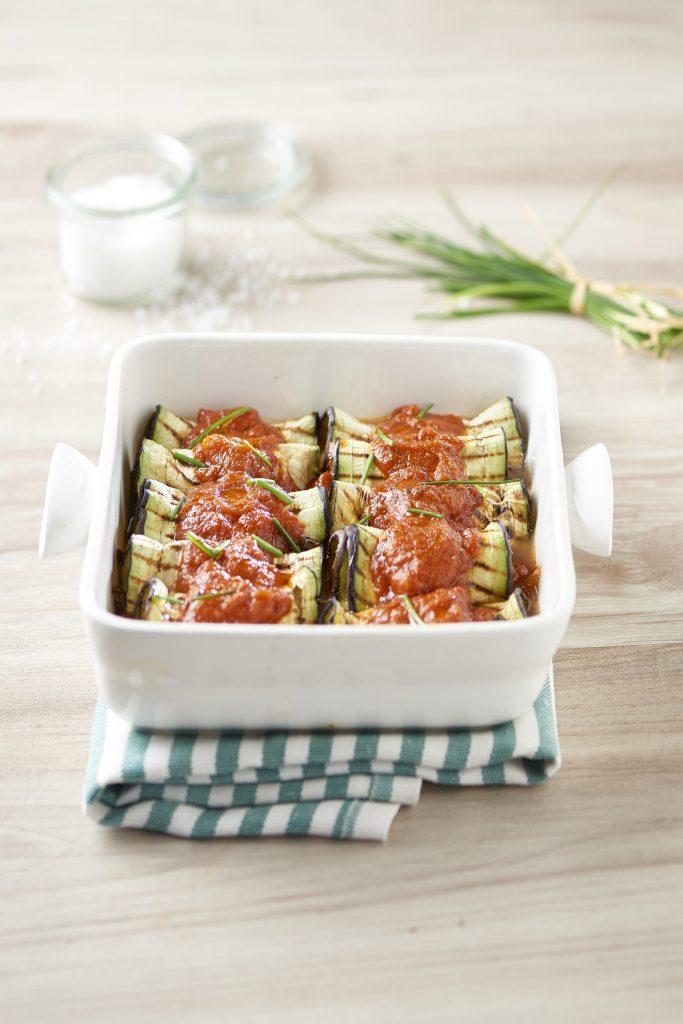 Grillatut munakoisonyytit tomaatin ja mozzarellan kera