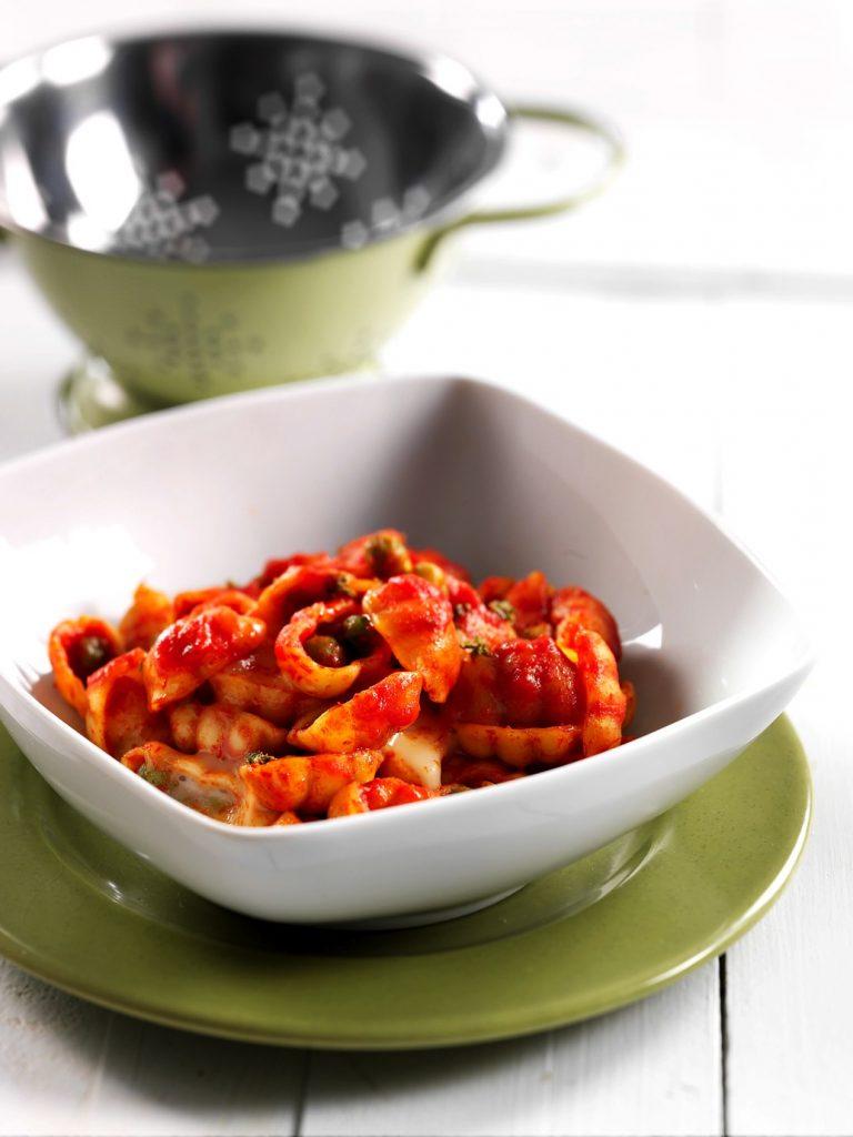Gnocchit herneillä ja taleggiolla