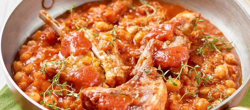 Zimino-keitto kikherneillä, karitsankyljyksillä, tomaatilla ja timjamilla